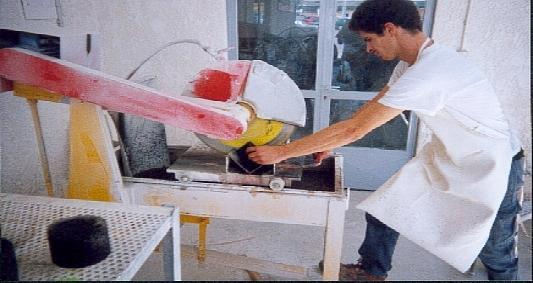 Equipment used to prepare concrete specimens, diamond saw