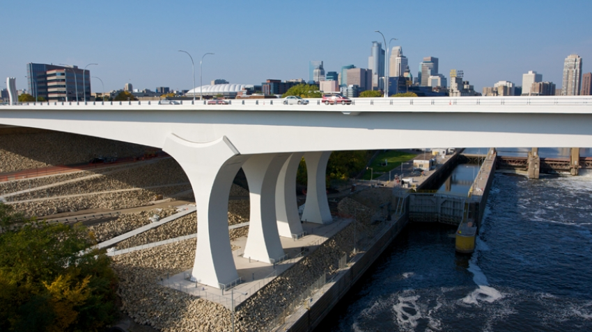 The new I-35W bridge opened in 2008