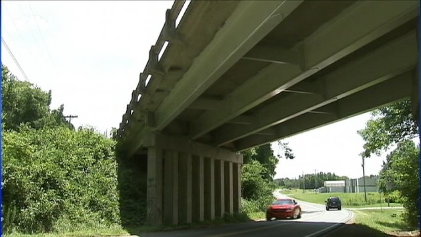 U.S. DOT survey reveals: 61,000 bridges in need of structural repairs