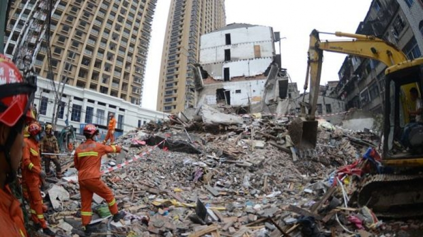 Wenzhou China: Collapse of four buildings kills 22!