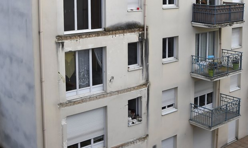 A balcony collapses in Angers, France: 4 people dead and 14 injured