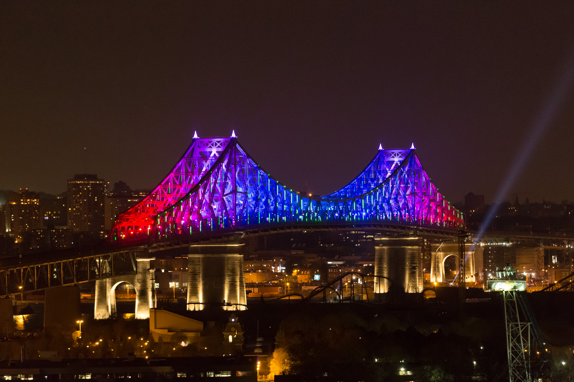 Montreal bridge changing colors 3