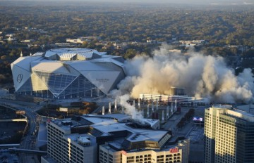 One of the biggest dome structures in the US was demolished in a controlled implosion (video)