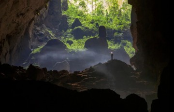 Hang Son Doong: Even a skyscraper could fit into the world's largest cave