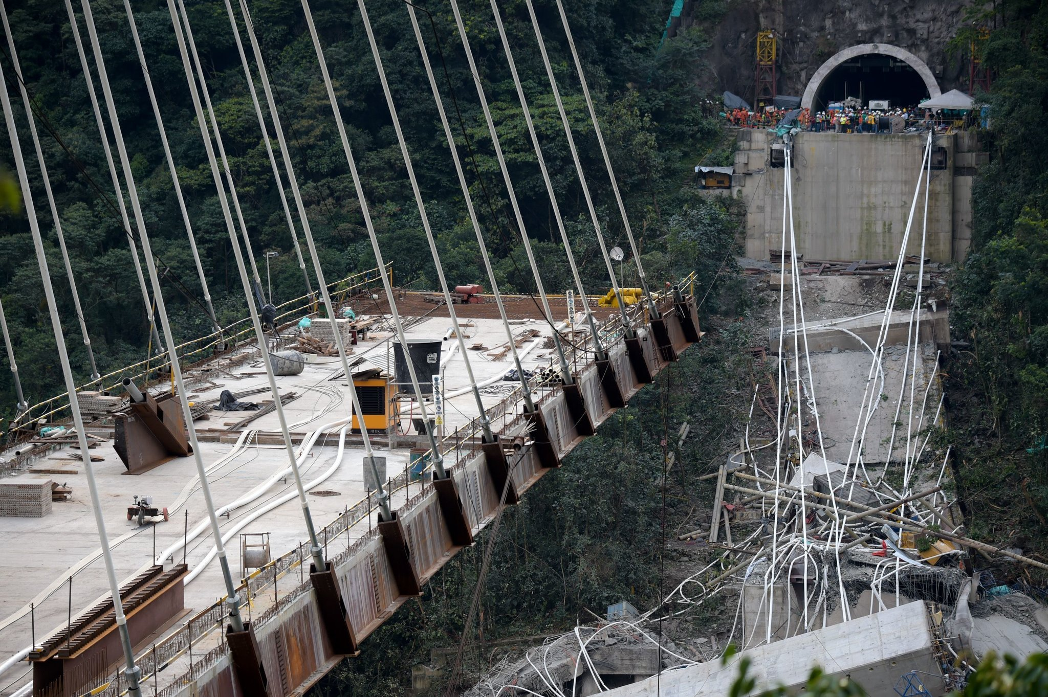 Colombia bridge collapse3