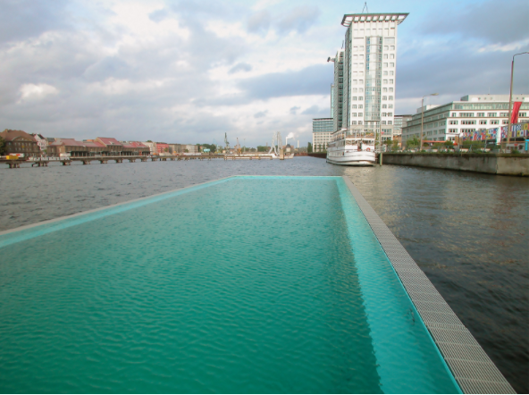 floating pool Berlin3