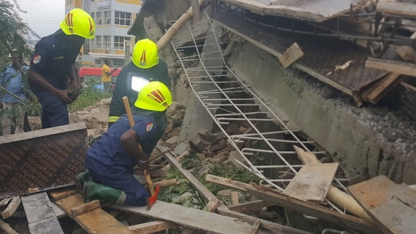 Building collapses in Abuja