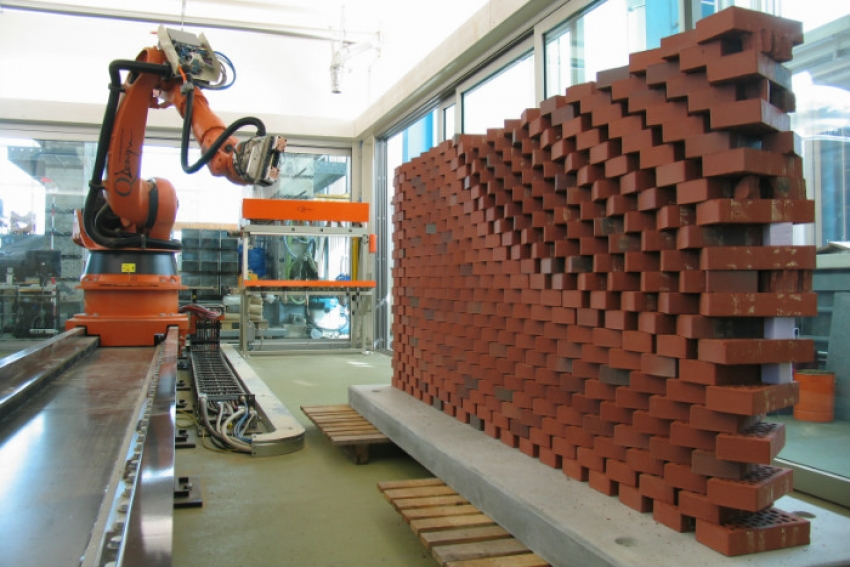 Robotics technology revolutionizing traditional construction industry