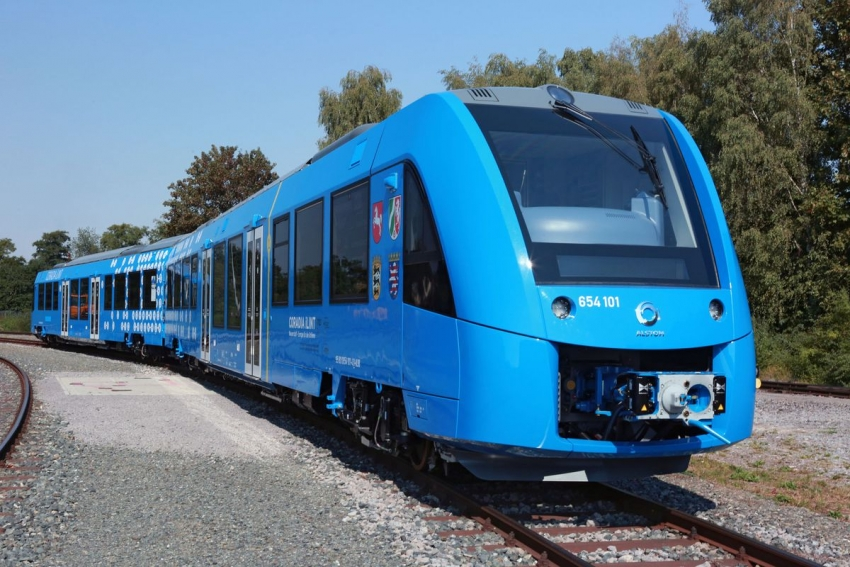 World's first hydrogen-power train