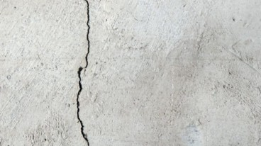 Active cracks in concrete