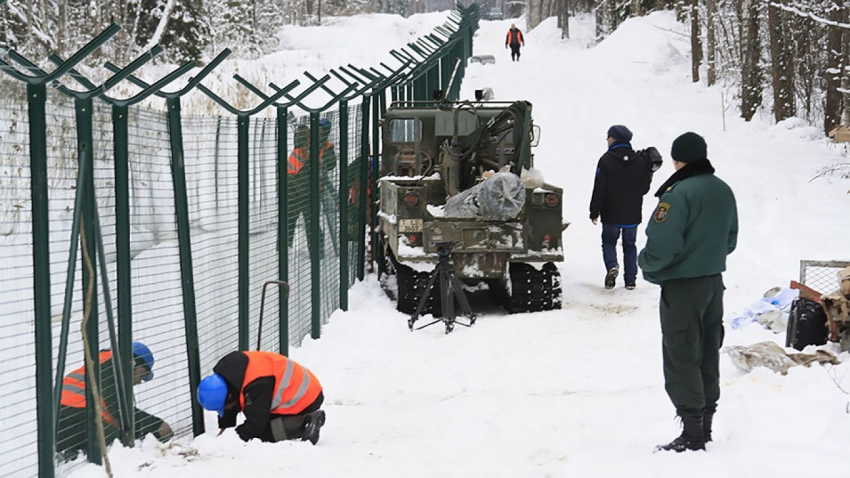 Latvia completes a 93-km section of fence on Russian border-Source: The Moscow Times