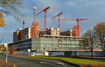 Crane collapses on a hospital building in West Midlands, UK-Source: Expressandstar.com