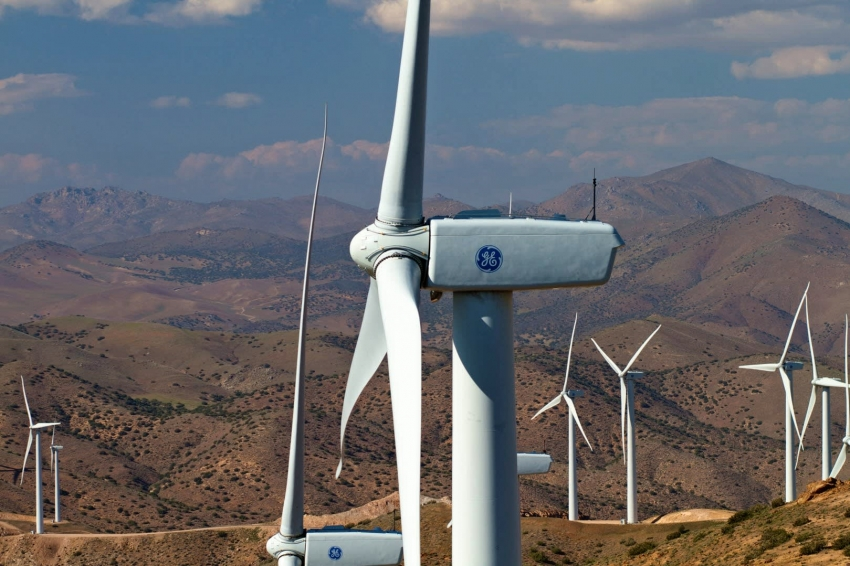 Wind turbines collapse in Brazil
